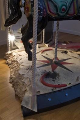 Vincenzo Rusciano, Broken, 2011, tecnica mista, 240x270x140 cm (particolare)