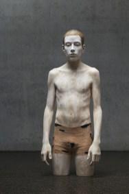Bruno Walpoth, L'altro, 2012, legno di tiglio, cm 102x42x26_foto Egon Dejori