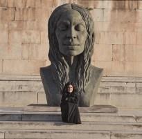 Helga Vockenhuber, La nuova Eva, 2012, bronzo, 300x210x140 cm