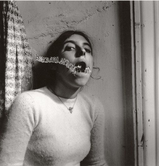 Francesca Woodman, Self portrait talking to vince, Providence, Rhode Island, 1977 1999_Courtesy George and Betty Woodman, New York SAMMLUNG VERBUND, Wien.jpg Francesca Woodman, Self portrait talking to vince, Providence, Rhode Island, 1977-1999 Schwarz-Weiß-Silbergelatineabzug auf Barytpapier/ Black-and-white gelatin silver print on barite paper Courtesy George and Betty Woodman, New York SAMMLUNG VERBUND, Wien