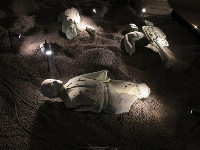 Grisha Bruskin, La collezione di un archeologo, dettagli installazione