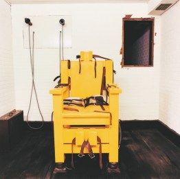 Lucinda Devlin, Electric Chair, Holman Unit, Atmore, Alabama (From the series The Omega Suites) 1991 © Lucinda Devlin Courtesy Galerie m Bochum, Germany