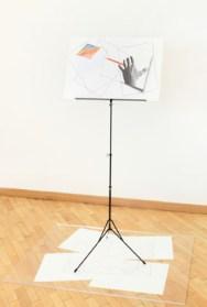 Giulio Paolini, Voyage Autour de ma Chambre, 2011, leggio, litografia e matita su carta, cm 147 x 120 x 80, Courtesy CanepaNeri, Genova - Milano - Courmayeur