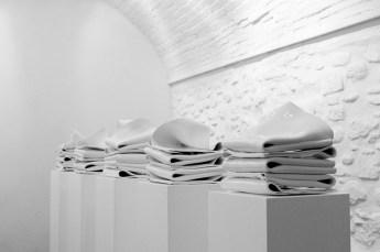 Gino Sabatini Odoardi, Senza titolo (part.), 2013, termoformatura in polistirene, grafite, cm 25x25x30 cad.