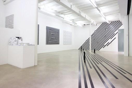 Exhibition view Esther Stocker 2015, Copyright Takeshi Sugiura, Courtesy Galerie Alberta Pane3