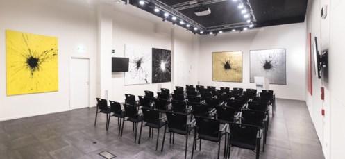 """Veduta della mostra di Julian T """"Impact: Alchemy, Light and Fame"""", Banca Sistema, Milano - Ph. Stefano Crose"""
