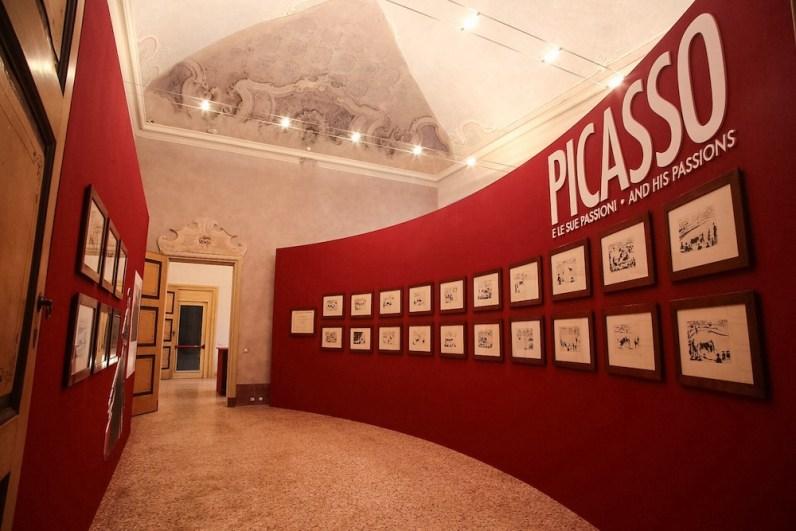 Picasso e le sue passioni. Il teatro e il circo, la tauromachia, le donne e la politica, veduta della mostra, Palazzo Vistarino, Pavia Foto © F. Bruciamonti