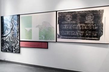 Dennis Oppenheim, Time Line 1969 Fotografie in bianco e nero, cartina geografica, 150x300 cm Courtesy Montrasio Arte, Milano