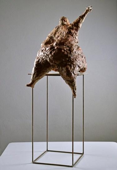 Manuele Mirabella, Colomba, 2016, terracotta, dimensioni variabili Courtesy immagini Antonio Cozza
