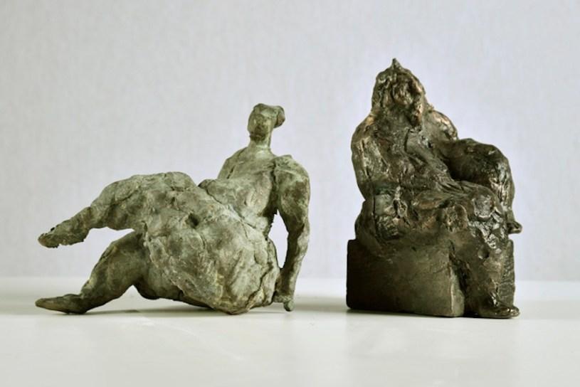 Manuele Mirabella, Giusy, 2014, bronzo, 18x10x6 cm e Sola, 2012, bronzo, 15x10x8 cm Courtesy immagini Antonio Cozza