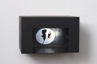Tindar, Senza titolo, 2015, scatola in ferro, foglia, led, 30x40x30 cm. Courtesy ProjectB, Milano