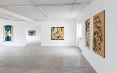 Paolo Gioli, Installation view at Peep-Hole, 2016 Front, from left: L'ombrello e l'Angelico (The umbrella and the Angelico), 1965, oil on canvas, Scomponibile (Decomposable), 1966, oil on canvas, Utensile Scomponibile (Decomposable Utensil), 1967, charcoal on paper, The Big Lens, 1968, charcoal and pastel on paper Rear: Schermo-schermo (Screen-screen), 1975, screen-printing canvas with manual interventions Photo ©2016 Andrea Rossetti