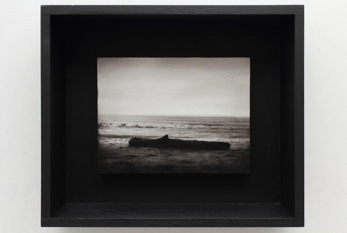Ettore Frani Il dono 2016 olio su tavola laccata e acrilico su akò cm 34,5x40,5x10 courtesy Paola Feraiorni