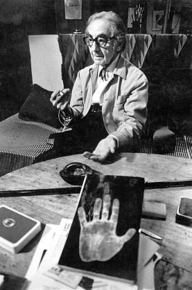 Oliviero Toscani, Man Ray, 1975