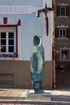 Katinka Bock, Personne, 2012, bronze and rain water mixed media, 229x82x73 cm Courtesy Galerie Jocelyn Wolff Photo © Simon Perathoner