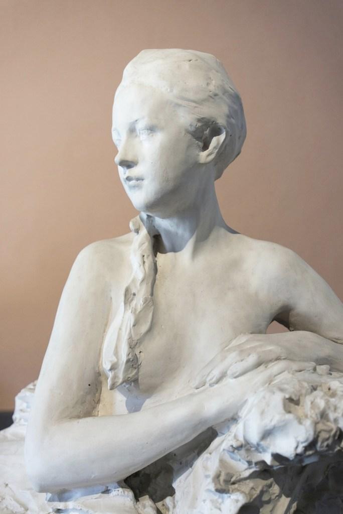 Paolo Troubetzkoy, Elin Troubetzkoy nuda, databile intorno al 1910-1911, gesso non patinato, 122x94x95 cm