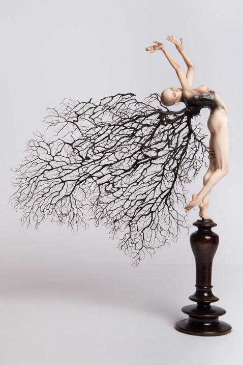 Fabrizio Corbo, Alcyonacea - Movimento 3, 2016, gorgonia e pasta polimerica, cm 40x32x8