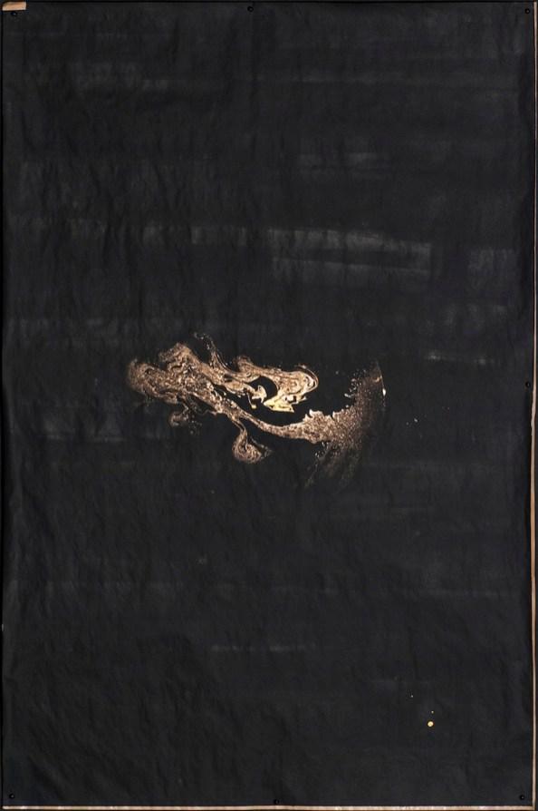 Giulio Cassanelli, Segno, 2016, sapone, pigmenti, carta da pacchi, acrilico, gravità, 150x100 cm