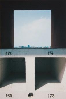 Luigi Ghirri, Il cimitero di Modena, 1983, C-print, 30,5 x 40,5 cm, Galleria civica di Modena