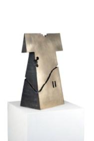 Kengiro Azuma, MU-774, 1977, bronzo, 70x51.5x25.5 cm