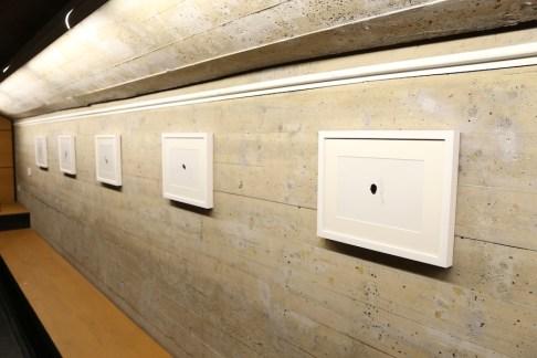 """Giorgio Tentolini. Iconoclastie, veduta della mostra (serie """"Iconoclaste""""), Spazio Aperto San Fedele, Galleria San Fedele, Milano"""
