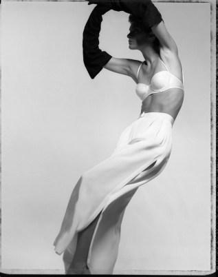 "Gian Paolo Barbieri, Lynne Koester ""Vogue Italia"", 1990, foto in analogico su carta Hahnemühle Fine Art Baryta 325 gr, 72x90 cm Courtesy 29 Arts in Progress Gallery"