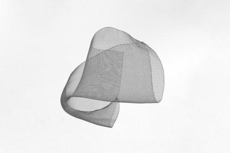 Bruno Munari, Concavo Convesso, rete metallica Courtesy Corraini arte contemporanea