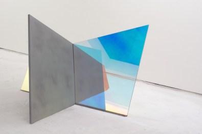 Matteo Negri, Piano Piano Primo, 2017, ferro zincato, cromo liquido, vetro temperato e pellicola, 257x276x160 cm Courtesy Lorenzelli Arte