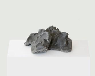 Marco Maria Zanin, Mu, 2017, argilla nera, 15x31x25 cm