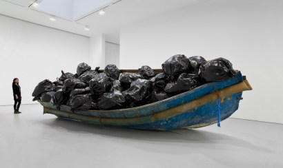 Adel Abdessemed, Hope, 2011-2012, boat, resin, 205.7x579.1x243.8 cm © Adel Abdessemed, ADAGP Paris Photo Maris Hutchinson/EPW Studio Courtesy of Adel Abdessemed