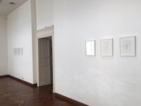 Fabio Giampietro, Vincenzo Marsiglia, Giorgio Tentolini. In tre tempi, veduta dell'installazione (Giorgio Tentolini), Villa Giulia, Verbania