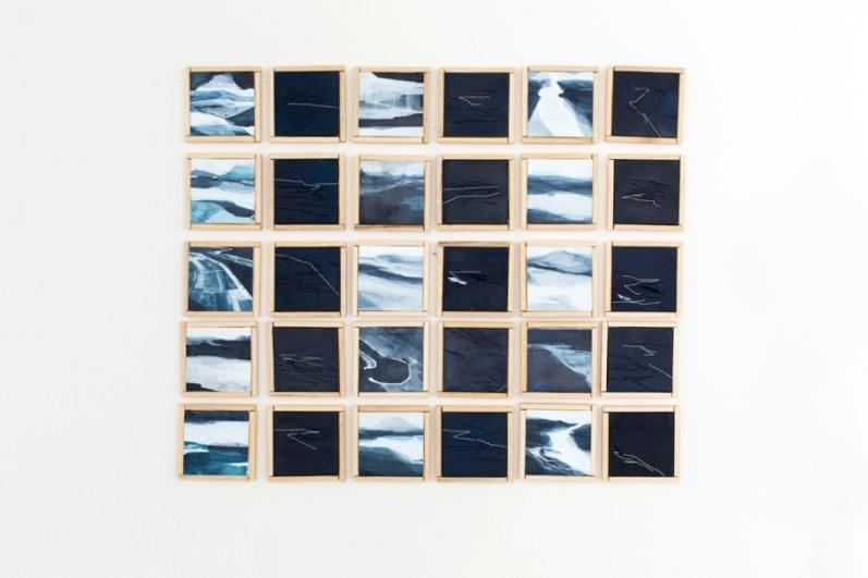 Adua Martina Rosarno, Note di Viaggio (Introspettivo), 2014, acrilico acquerellato e tessiture su tela, polittico, 30 tele 11x11cm (opera vincitrice del premio Arteam CUP 2016)