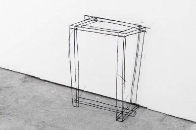 Fritz Panzer, Fatto a mano, 2017, metal wire, 69x50x32 cm Foto Irene Fanizza