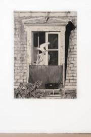 João Vilhena, L'amour des corps, 2017, pierre noire on paper, 140x100 cm Foto Irene Fanizza