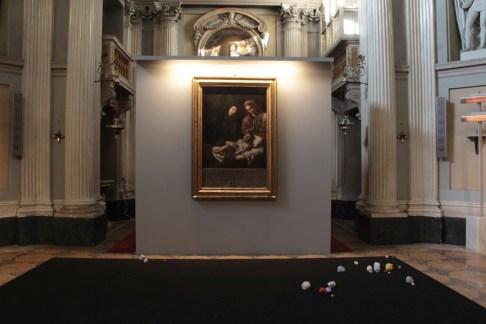 Giovanni Francesco Guerrieri Gianluca Quaglia. Il miglior posto. Un dialogo tra artisti nel tempo alla Villa, veduta della mostra, Cappella della Villa Reale, Monza