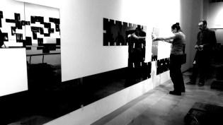 CK8 e SUF! (Cuoghi Corsello) durante l'allestimento di Tutti nudi, Labs Gallery, 2018. Foto: Giovanni Avolio