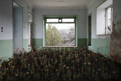 Gohar Dashti, Home #8, 2017, archival digital pigment print, 80x120 cm edition of 10, 50x75 cm edition of 15 Courtesy the artist and Officine dell'Immagine, Milan