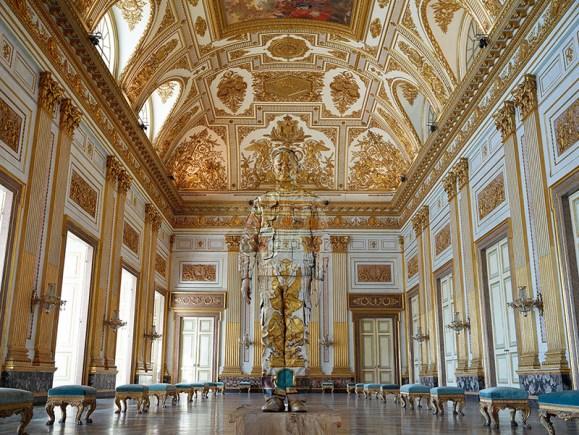 """Premio Consultinvest va a Liu Bolin per l'opera """"Sala del Trono"""" della Galleria Boxart (Verona)"""