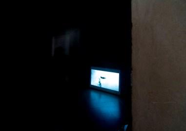 Sislej Xhafa, Passion fruit, 2007, frame da video monocanale VPR, colore, sonoro, durata: 3'30'', loop Courtesy l'artista e Galleria Continua, San Gimignano (veduta della mostra)