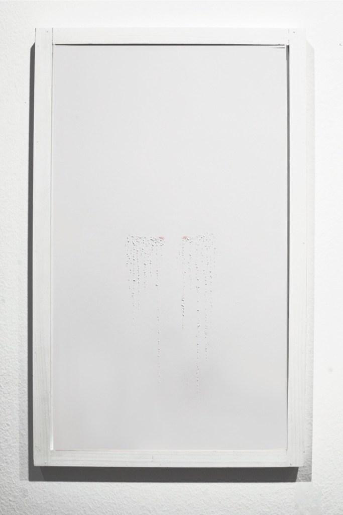 Elena Modorati, Traiettorie di lacrime, 2018, carta e pastello, 50x30 cm Foto Bruno Bani, Milano