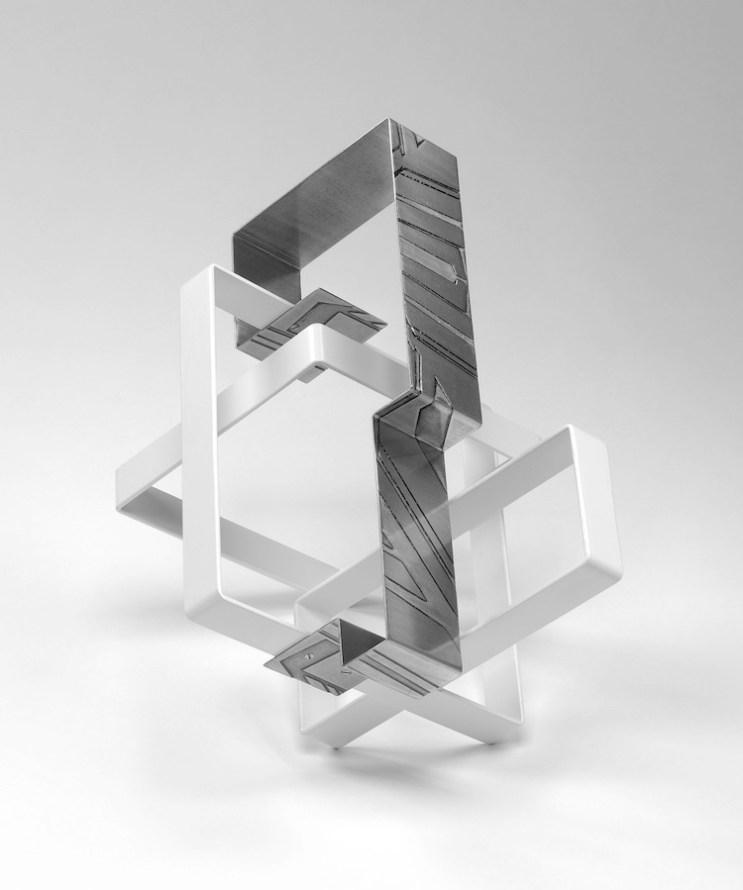 Nadia Galbiati, Quadrilatero I, 2017, ferro con disegno acidato a morsura, ferro verniciato, 35x35x30 cm
