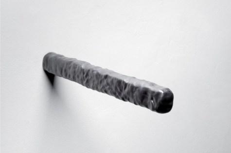 Anders Ruhwald, Follow Through, 2012, ceramic, 4x3x44 cm