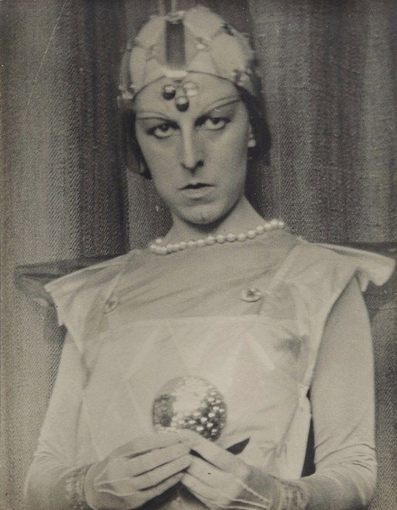 Claude Cahun, Autoportrait, 1929, gelatin-silver print, 42x34 cm Pinault Collection