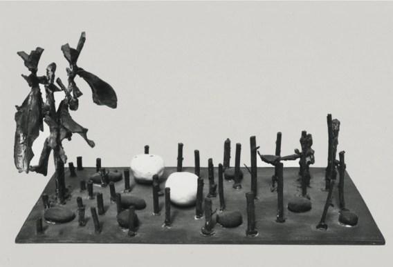 Alik Cavaliere, G.B. e la natura, 1963, bronzo, porcellana, cm 21x22x38