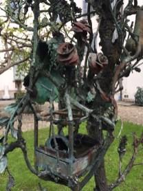 Alik Cavaliere, L'albero, 1967-1979 (dettaglio), bronzo, cm 280x170x110, Centro Artistico Alik Cavaliere, Milano Foto di Nino Cannatà