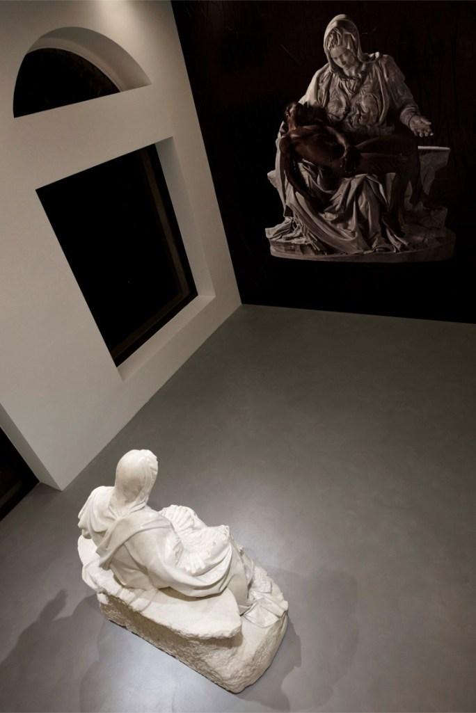 Fabio Viale, Souvenir Pietà (Madre) Foto Michele Alberto Sereni