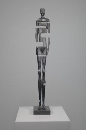 NIELSEN-JOHANNES,-Same-Body-Different-Day-#5,-bronzo,-75-x-12-x-12-cm
