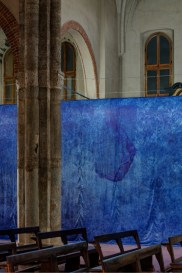 Jan Fabre. I Castelli nell'Ora Blu, installation view at Basilica di Sant'Eustorgio, Milano Courtesy Building, Milano Photo Attilio Maranzano
