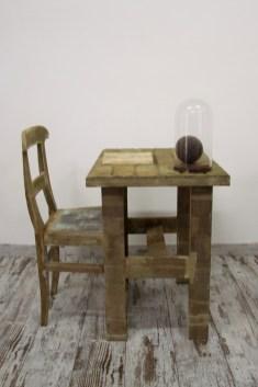 Oriella Montin, Lo scrittoio, oggetti di recupero garzati con garza medica tinta col caffè, 72x98x75 cm