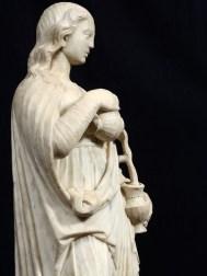 Jacopo Della Pila, Allegoria della Temperanza, 1470-80 circa, marmo statuario, altezza cm 98 (particolare), Milano, documentato a Napoli dal 1471 al 1502 (F&F Antichità, Perugia)